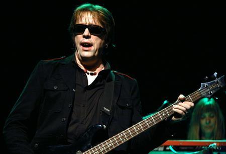 Il bassista britannico di Psychedelic Furs e Love Spit Love, oggi 55enne