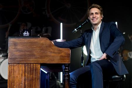 BEN RECTOR Tour Dates 2016 - 2017 - concert images & videos TourLALA ...