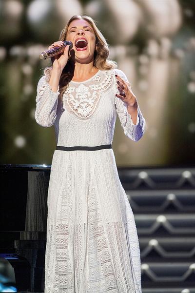 Pollstar | LeAnn Rimes Announces Christmas Tour